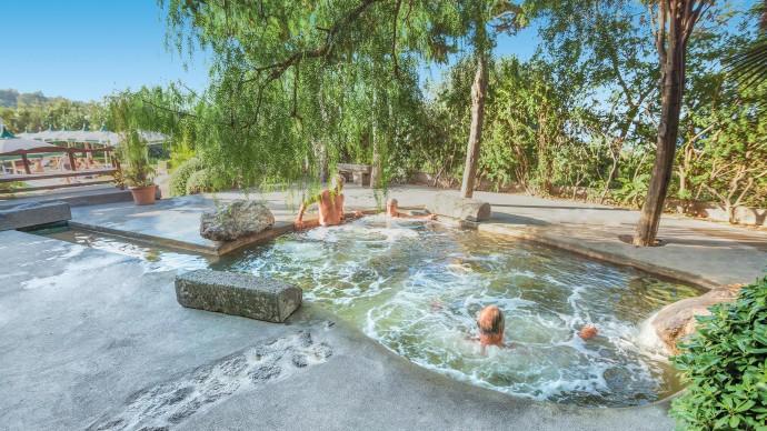 hotel-therme-la-pergola-pool-ischia